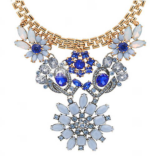 Ladies Beautiful Luxury Blue Flower-shaped Diamond Necklace - USD $ 23.09