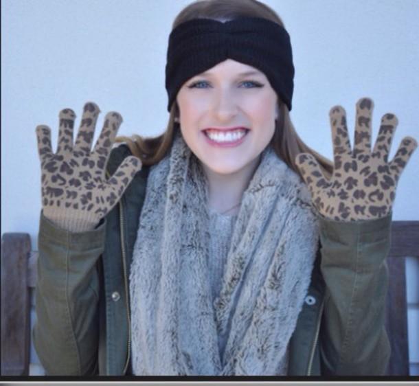 gloves €15