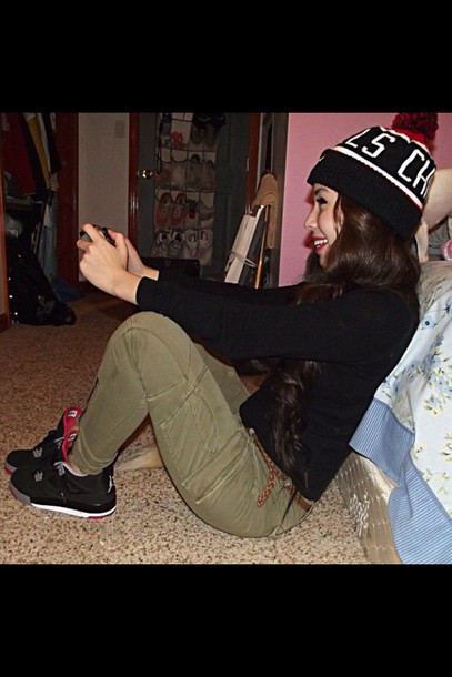 shoes jordan's shoes breds sneakerhead sneakers pants beanie outfit