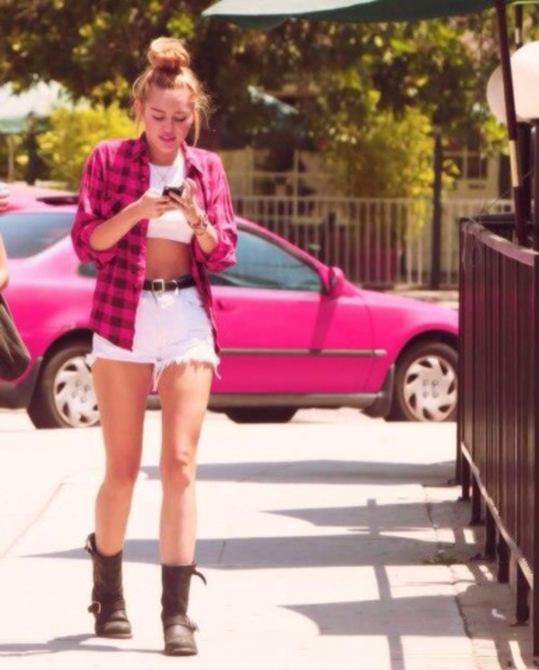 shorts red withe miley cyrus