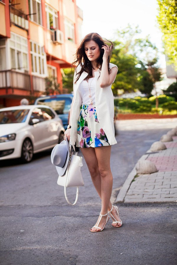 the bow-tie jacket shorts jewels t-shirt shoes bag hat