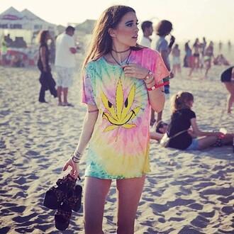 t-shirt tie dye tie dye girl sea yellow grunge hipster indie alternative
