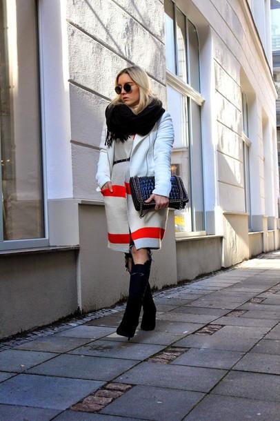 fashion twinstinct blogger jacket sweater crocodile black bag winter outfits