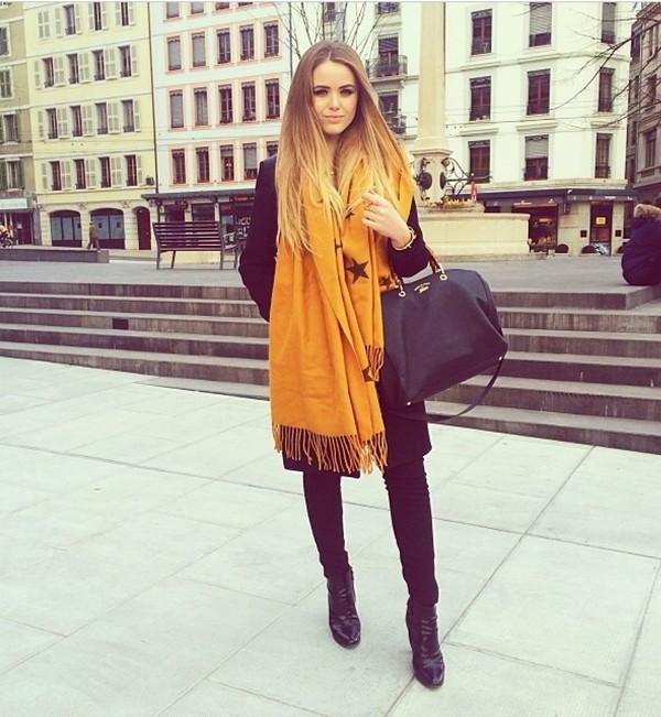 scarf kayture kristina bazan mustard fashionista bag mustard zalando givenchy bag all black everything streetstyle blogger