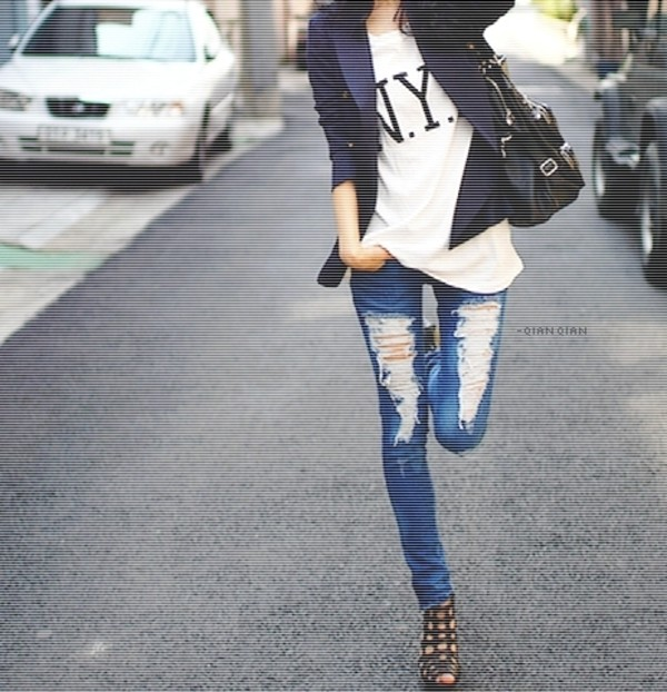 NEW SEXY RIPPED JEANS FOR LADIES DARK DENIM 6 8 10 12 14 WOMENS