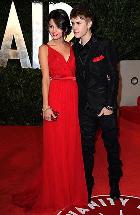 Aliexpress.com : Buy Selena Gomez Column V neck Red Chiffon Spaghetti Strap Floor Length Oscars Celebrity Dresses Free Shipping from Reliable celebrity long dresses suppliers on Dress Tells Co.,Ltd