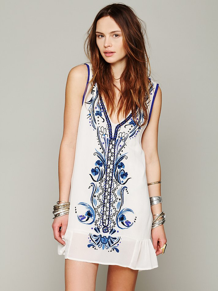 2014 New Free People  Heavy Beaded Flowers Embroidered Beach Dress Wholesale and Retail-in Dresses from Apparel & Accessories on Aliexpress.com