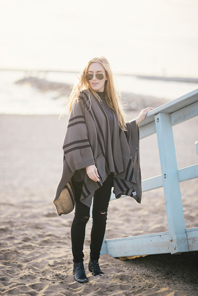 eat sleep wear blogger poncho ripped jeans
