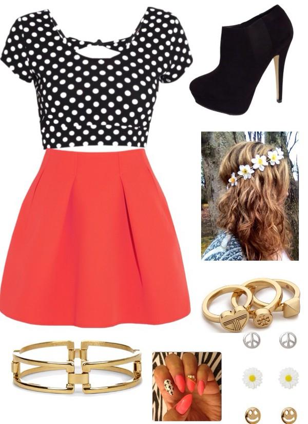 shoes skirt hat shirt