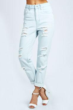 Emilia Bleach Boyfriend Jeans at boohoo.com