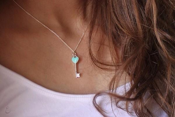 jewels necklace light blue