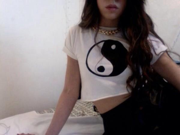 tank top yin yang black and white black white pale pretty tumblr jewels t-shirt yin yang