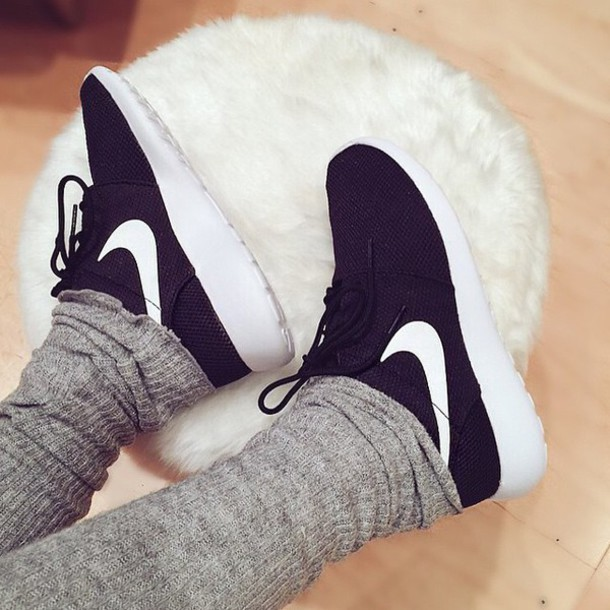 shoes black shoes nike running shoes nike shoes roshe runs running shoes fitness phone cover pajamas