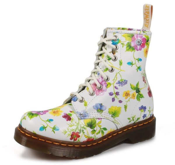 shoes DrMartens flowers boots DrMartens 1460 Posy air wair colorful docs drmartens bright spring women women's shoes floral flowered shoes roses pink roses cute girly hippie alternative DrMartens combat boots doc martins