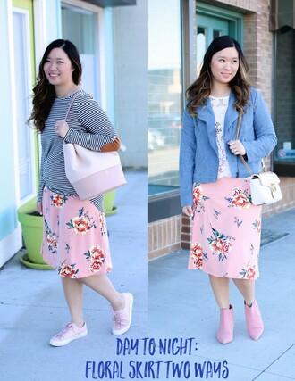 sandy a la mode blogger top skirt jewels bag shoes pink skirt midi skirt floral midi skirt blue jacket striped top gucci bag