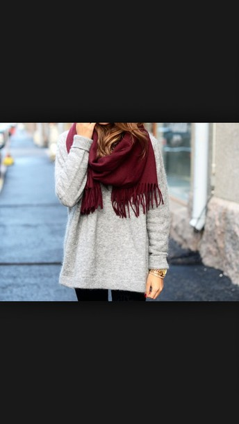 sweater clothes style scarf red red scarves grey sweater grey t-shirt tumblr outfit watch tumblr shirt tumbkr tumblr cute warm gold gold watch roses rose gold watch