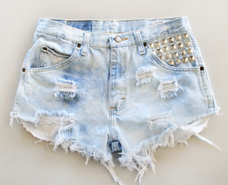 shorts spikes bag cut offs studded bleach cute high waisted shorts denim studs ripped blue light blue hipster instagram tumblr button spiked spiked shorts denim shorts light blue denim shorts denim ripped denim ripped shorts aztec beautiful pink summer high waisted love low price deni gold colorful aztec short clothes jeans shoes studded shorts pants ripped jeans ripped light jeans fvkin studded high waisted denim shorts cut off shorts aztec shorts aztec shorts studs levi's levi's shorts high waisted denim shorts tribal pattern lovely short purple azteque wasted spike shorts high waisted leather black beach jolie mignon swag jean short shorts fashion style grunge soft grunge