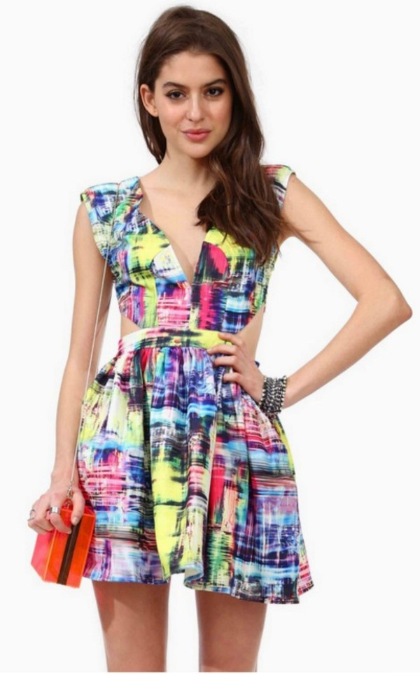 dress colorful pink bright color/pattern cut-out v neck cute dress pink dress green dress v neck dress