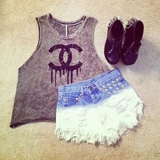 t-shirt cc grey top tank top clothes style blouse chanel inspired