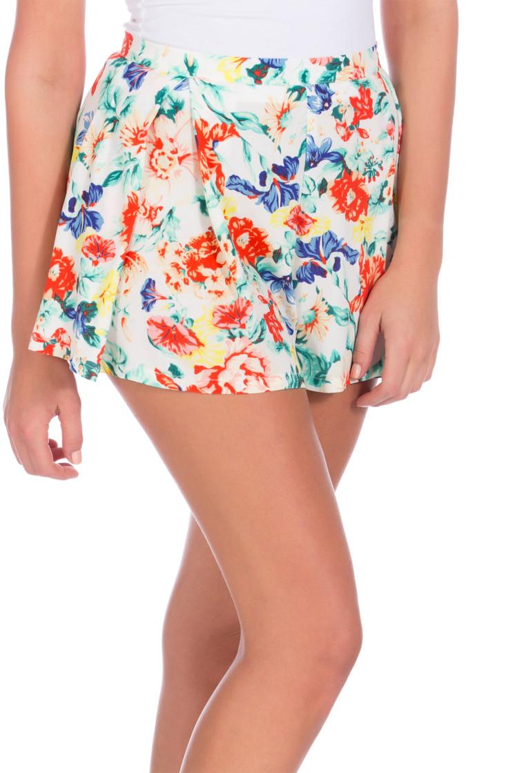 Flower Crush Boxpleat Shorts | MinkPink | SIVVI.COM