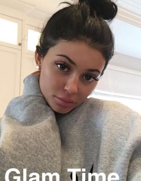 sweater kylie jenner snapchat grey grey sweater kardashians