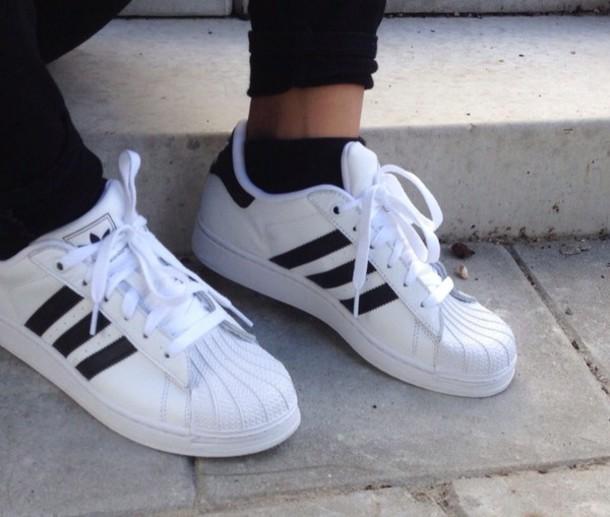 shoes sports shoes