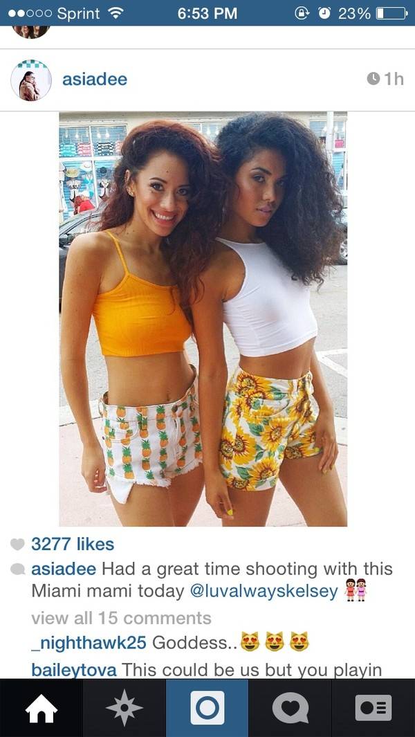 shorts pineapple white