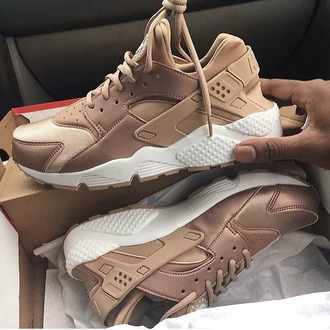 shoes nike huarache gold beige