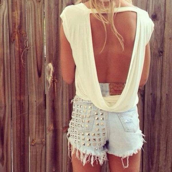 blouse shorts white open back t-shirt