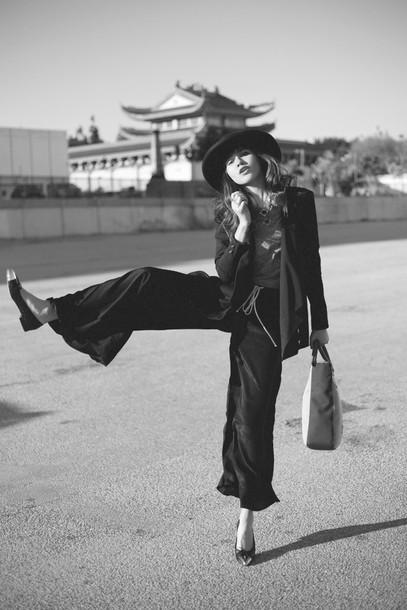 natalie off duty blogger wide-leg pants hat jacket t-shirt pants bag