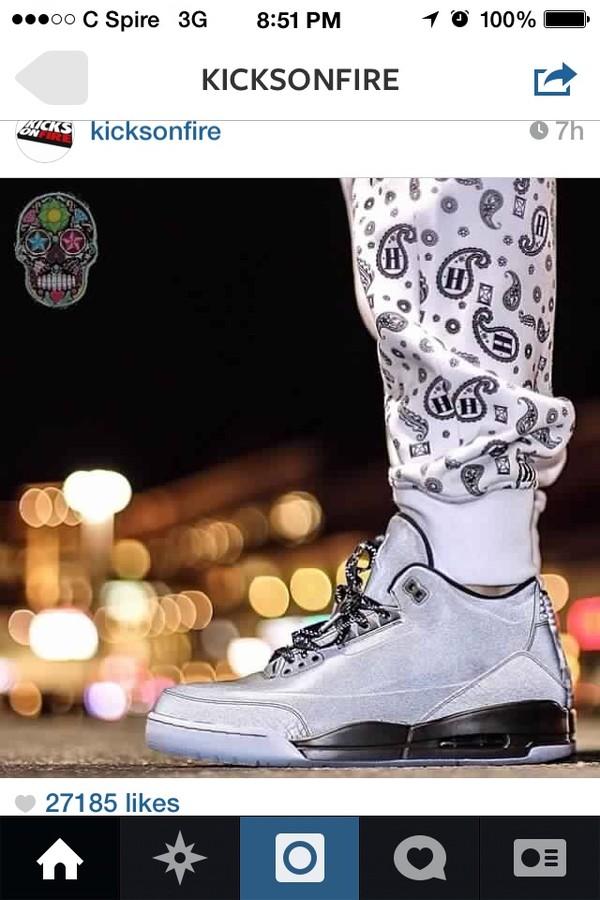 pants whitejoggers bandannaprintjoggers