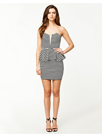 Peplum Striped Dress - Notion 1.3 - Svart/Vit - Klänningar - Kläder - Kvinna - Nelly.com