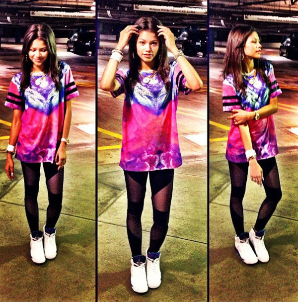 jeans this outfit shirt leggings style zendaya t-shirt shoes outfit celebrity style fashion pink purple black mesh leggings