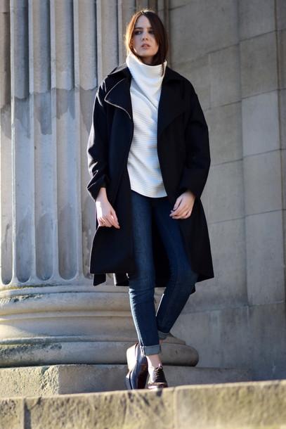 shot from the street blogger sweater jeans boyfriend coat