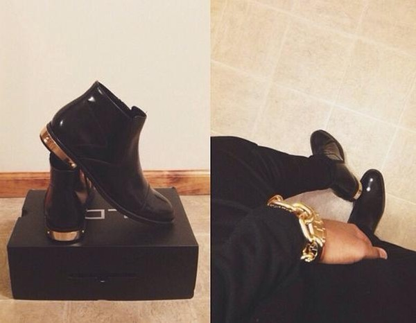 shoes clothes black gold boots ankle boots ankle boots black ankle boots black and gold black and gold shoes