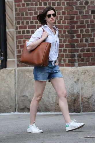 shoes sneakers blouse shorts anne hathaway