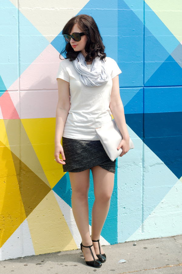 coco and vera t-shirt scarf bag skirt shoes sunglasses mid heel pumps