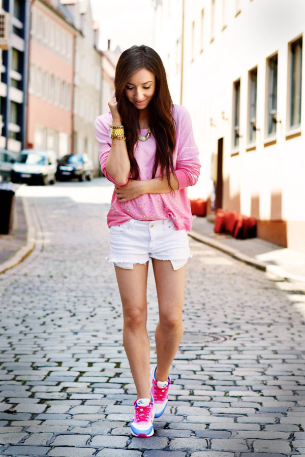 flirting with fashion sweater shorts shoes