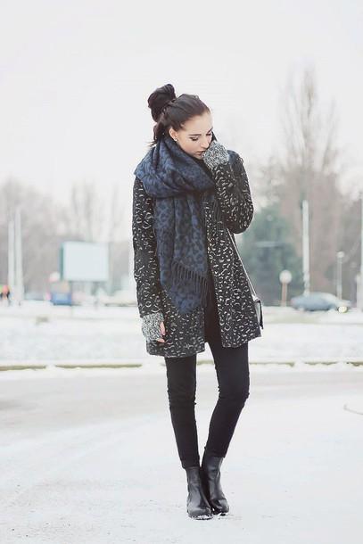 leona meliskova blogger coat scarf jeans shoes