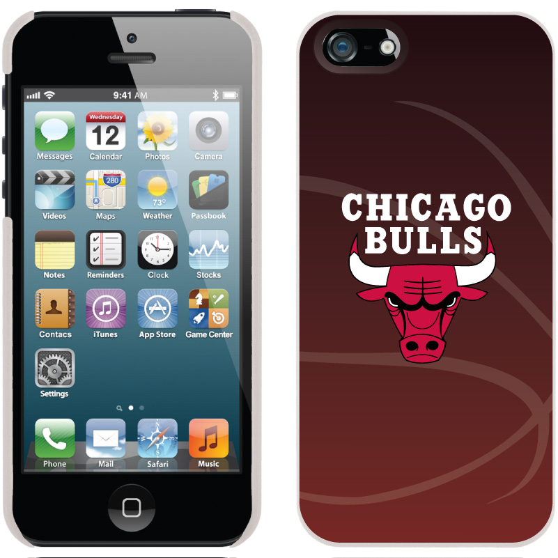 Chicago Bulls On IPhone 5s / 5 Thinshield Snap On Case By Coveroo White