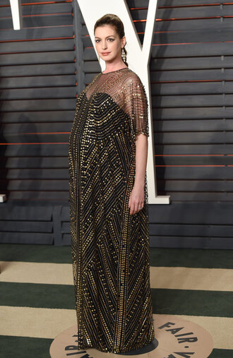 maternity maternity dress oscars 2016 anne hathaway long dress earrings jewels caftan