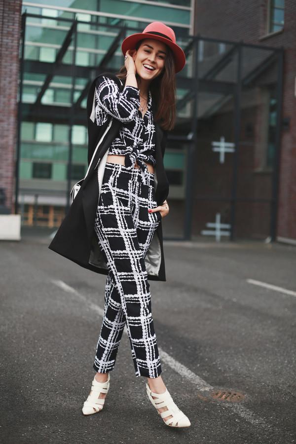 style scrapbook pants blouse bag jacket shoes hat jewels