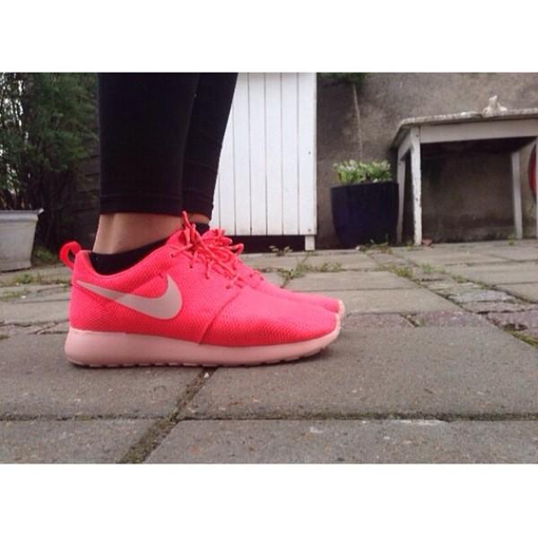 shoes nike sneakers nike roshe run