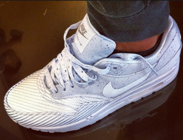 shoes white and grey nike air max 90