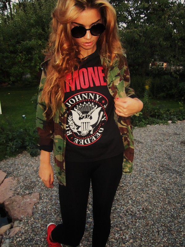 jacket army green jacket military style dark green green black t-shirt red black t-shirt dress sunglasses leggings print forest green forest