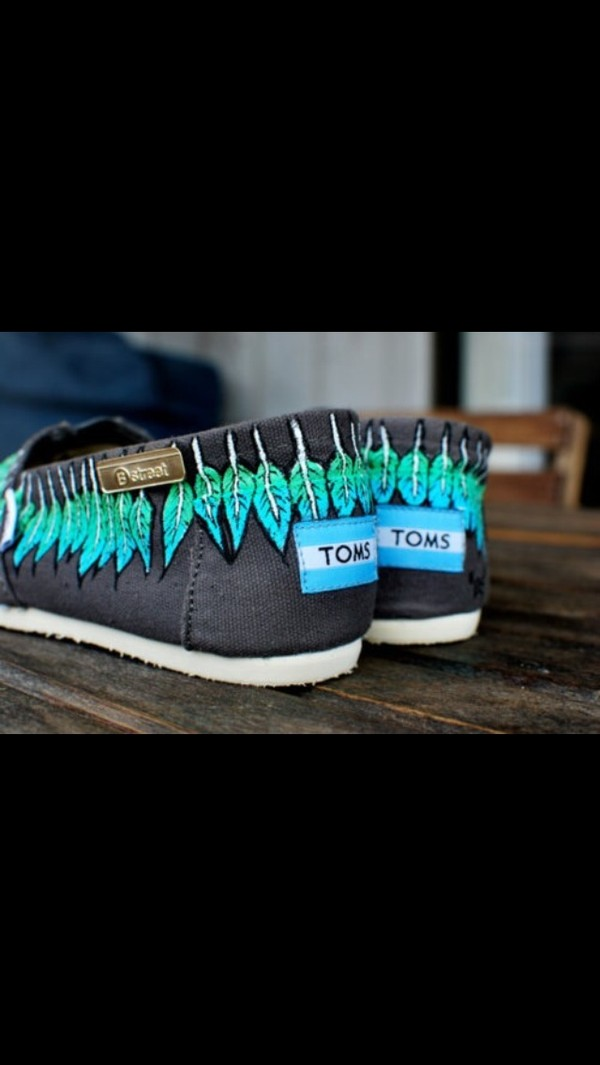 shoes toms feathers tribal pattern grey green turquoise
