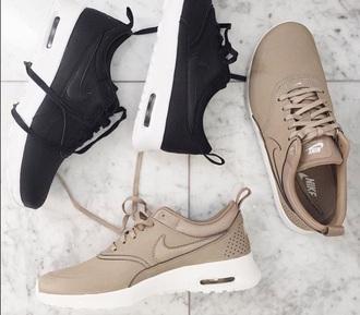 shoes tan nikes nike nude sneakers running nude sneakers running shoes nike shoes leather low top sneakers black sneakers beige shoes