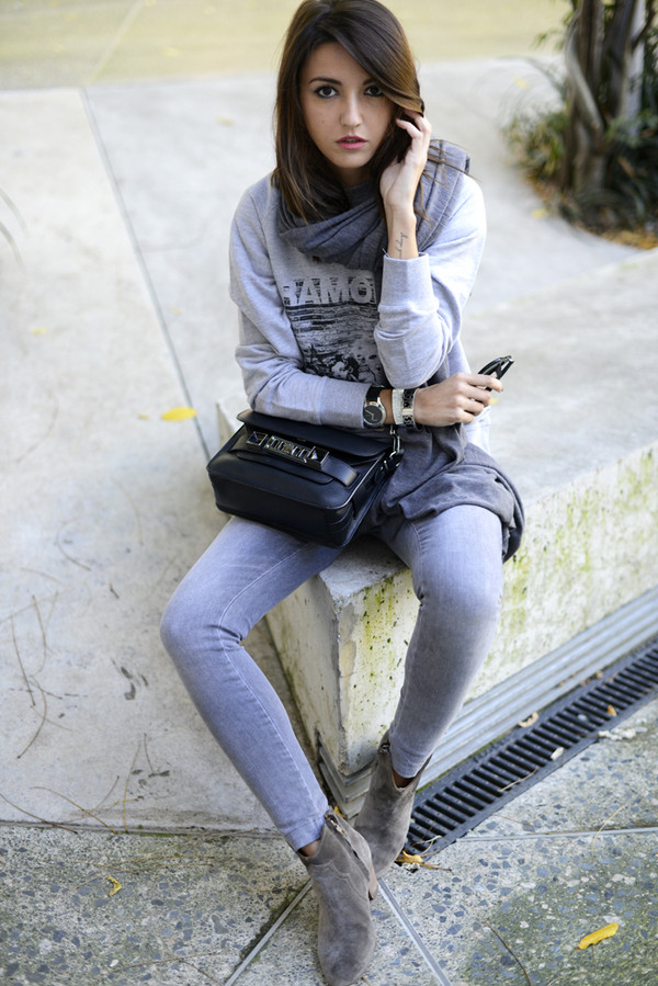 lovely pepa sweater jeans shoes bag scarf jewels