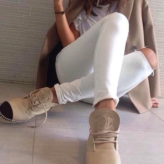 shoes chanel boots shoes espadrilles coat chanel pants beige shoes black sneakers chanel inspired flats hipster elegant girly sports shoes oxfords blogger beige chanel shoes phone cover phone classy jewels miley cyrus kim kardashian shorts nude boots flat boots