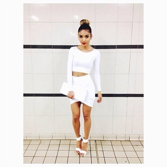 set two piece dress set white top long sleeves white crop tops long sleeve crop top white skirt bodycon skirt clutch sandal heels white sandals all white everything